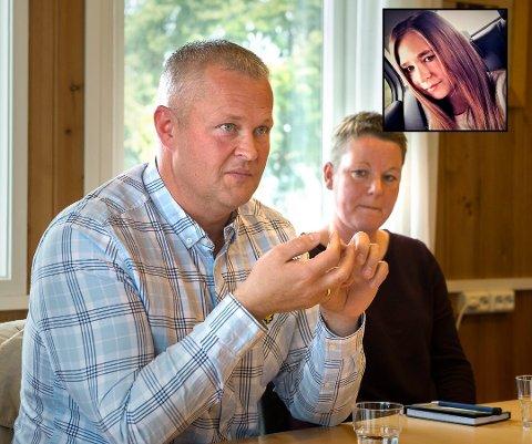 Patrick og Tone Granerud forteller datteren Erikas historie for at politikerne skal finne bedre løsninger for ungdom som slite psykisk. Foto: Brynjar Eidstuen/Privat