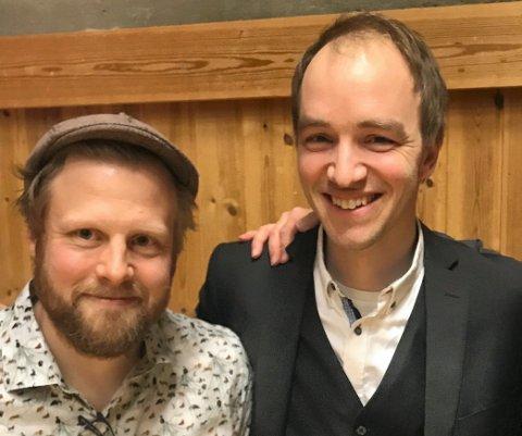 KOMMER: John Ole Morken og Ottar Kåsa inntar Samfunnshuset i Atrå onsdag.
