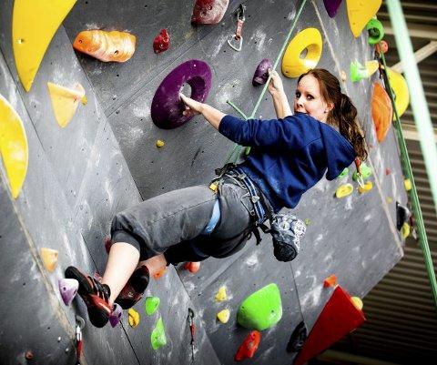 Nina (32) fra Kjeller var aktiv med klatring et par år. Etter at hun kom inn i klatregruppa i januar gjennom ambulerende team for psykisk helse i Skedsmo kommune har hun vært med på fredager. Alle foto: Tom Gustavsen