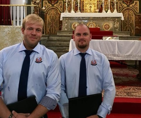 To Tarrakarra med OK moral, her representert ved Lars Øksenvåg (til venstre) og Thomas Folland.