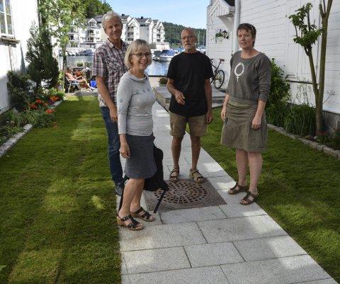 Hovedgata/Holgata: Kommuneingeniør Otto Bugge (t.v.) fikk mye skryt for hordan han har ledet prosjektet. Her er han sammen med landskapsarkitekt Jan Feste, landskapsarkitekt og fylkeskommunens representant Kari Huvestad og prosjektleder for Byløft, Annette Pedersen.