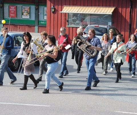 Bli med: Spiller du skarptromme, treblås, trompet, kornett, bass, tuba – eller annet venter Gammel Reserve på deg.