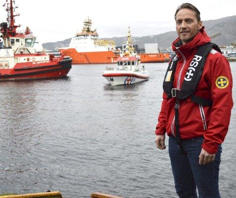 - Det er en del som har mangelfull kunnskap om hvordan man oppfører seg på sjøen. Dette kan være vikepliktsregler, fart og manglende tekniske ferdigheter, skriver Endre Ytreland. FOTO: TOM HJERTHOLM
