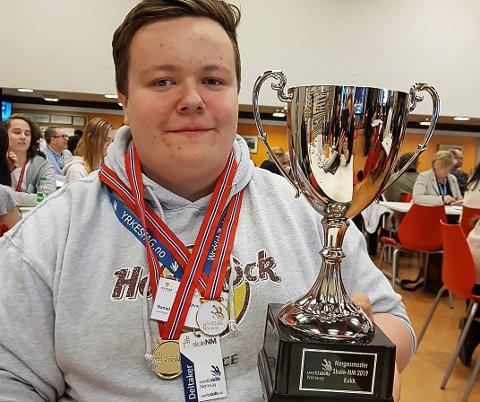 NORGESMEISTER: Daniel Bjørnset kan kalle seg landet beste kokkeelev, og snart startar læretida i Equinor.