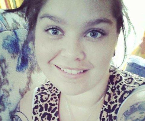 KREFTSYK: Stine Furulund Skjæret (32) vet hun snart skal dø. Hun slutter likevel aldri å håpe på et mirakel.