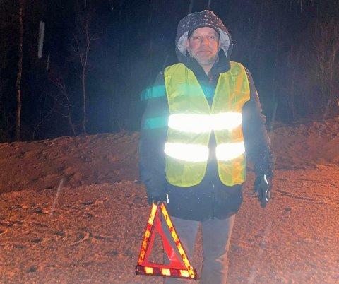 HJALP TIL: Rune Jensen kom kjørende på E8 fra Tromsø og var en av de første som kom til ulykkesstedet.
