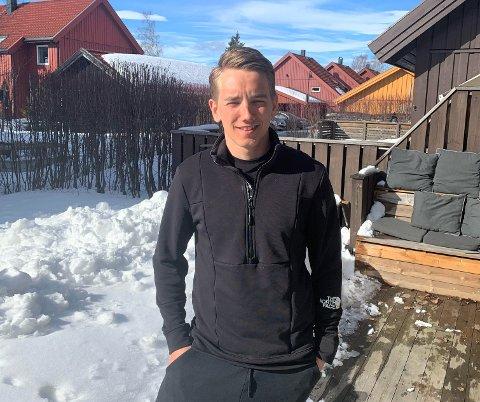 Eivind Sporaland bor i et kollektiv i Lillehammer sammen med to andre skiskyttere. Her har han kort vei til skiløyper.