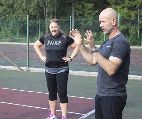 TENNISUKE: I august i fjor var det tennisskole-assistentkurs med Espen Lilleaas. Han kommer tilbake neste uke.