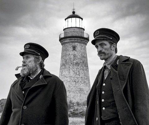 KRITIKERROST: Filmen om to fyrvoktere på en avsidesliggende øy omtales som en perle av en film.