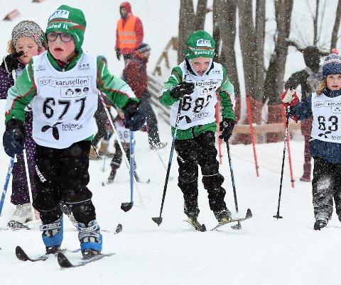 KLÆBO-STIL: Torgrim viste en velkjent løpestil opp bakkene under Barnas skidag søndag.