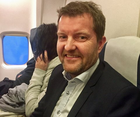 Administrerende direktør ved Mack ølbryggeri Harald Bredrup på bakerste rad på tur til Oslo på Rema 1000-møte.