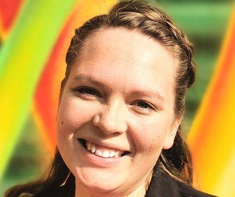 lLANG VEI Å GÅ: – Jeg går gjerne i demonstrasjonstog for kvinnekampen og likestilling. Dessverre har vi en lang vei å gå, understreker Tina Ødegård Holt (29) - denne ukas gjest i avisens ukentlige, faste spalte.