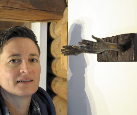 I`ll catch you: Tove Hirths talende bronsehender. Nå drømmer hun om en langt større skulptur.