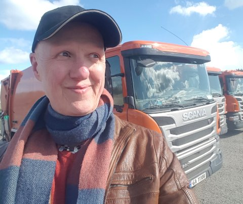 STOR PÅGANG: Sven Moe Bjørnson i Asker kommune, håper nå at flere innbyggere benytter seg av gjenvinningsstasjonene i ukedagene.
