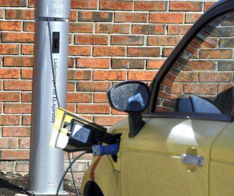 Snakker varmt: Ikke uventet snakker innsenderen varmt for elbilen.