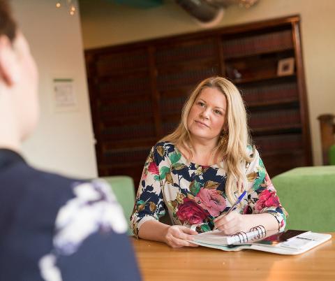 Ane Hagen har hjulpet folk med å finne denne rette i årevis. Hun har fulgt trendene i nettdating nøye.