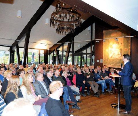 Full sal: Knut Aastad Bråten i Syn og Segn kunne ynskje over 100 tilhøyrarar velkomne til foredraget med Robert Mood.