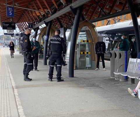 Politiet rykket ut med to patruljer