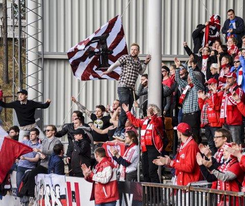 Mange supportere: Det var mange FFK-supportere som hadde tatt turen fra Fredrikstad søndag.