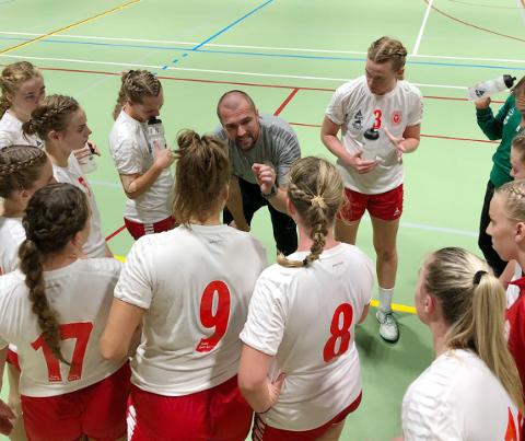 TRENER: Lars Olsen, har ambisjoner om å etablere laget i 2.divisjon denne sesongen.