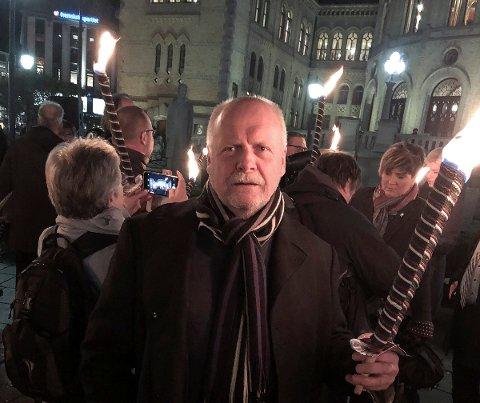 Jann- Arne Løvdahl på markering mot eiendomsskatt foran Stortinget