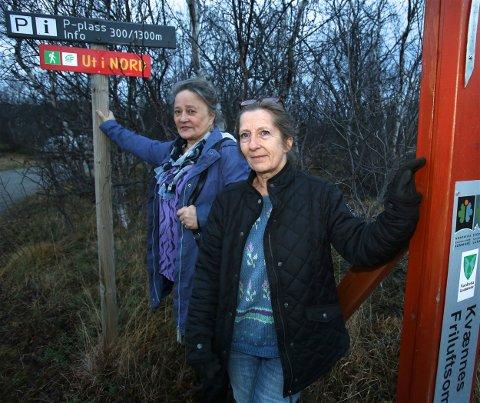 Vivi-Ann og moren Aase Sandnes er veldig glad for at kommunen snudde, og allikevel ikke vil ekspropriere familieendommen på Kvænnes i Nordreisa. Foto: Ola Solvang