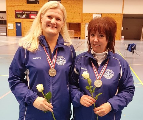GODE: Kari Bjørk Østby og Vigdis Bruun ble nummer to i Damer åpen klasse i lag. Foto: Privat