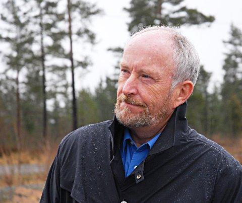 Må ha med seg damer: Fylkesordfører Ole Haabeth (Ap) kan ikke stille med en mannlig Østfold-delegasjon når han snakker om fylkesfusjon med Akershus og Buskerud. arkivfoto