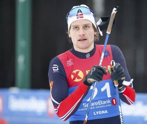 Trener fortsatt: Sindre Odberg Palm trener fortsatt en del og mener han er i brukbar form, selv om han nå har avsluttet sin aktive langrennskarriere og prioriterer studier ved Politihøyskolen. Her er han under NM på ski på Lygna sist vinter. arkivfoto
