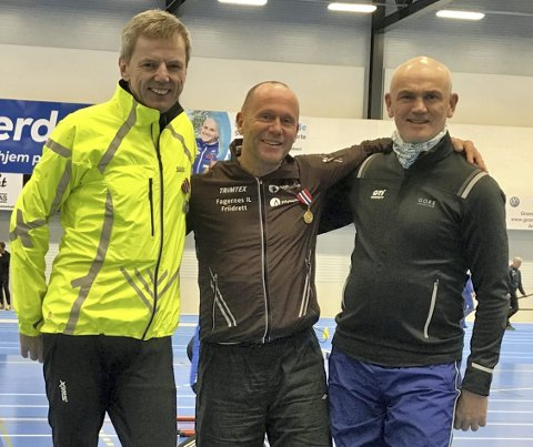 Lengdepallen: Her er lengdepallen i klasse 55–59 år. F.v. Jan Inge Bleivik, Kåre Strande og Johan Andreas Løland.