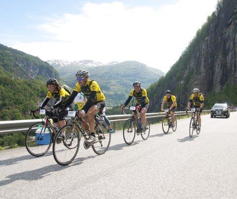 Het prøvelse: Syklistene som kommer opp Skjervet kommer til å legge igjen mye salt svette på veien. Det er varslet varmt og fint vær. For publikum og arrangører er det dermed drømmeforhold. Så spørs det om syklistene synes det samme på tampen av dagen ..!