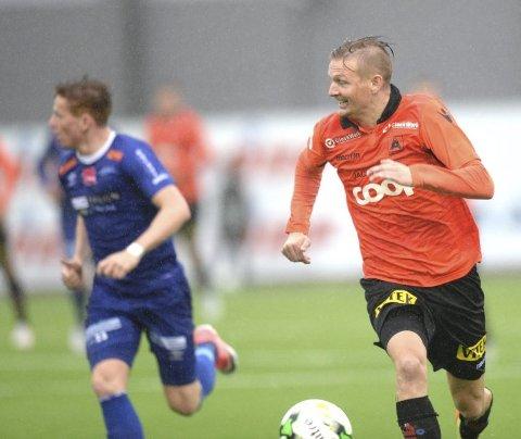 Det er Erik Huseklepp som har scoret målene for Åsane i det siste. Nå er spørsmålet om lyskene kommer seg! Foto: Magne Turøy