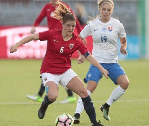 Maren Mjelde har vært skadet i lang tid, men onsdag var hun endelig tilbake i kamp da Norge slo Danmark 2-1 i Algarve Cup. Arkivfoto: NTB Scanpix