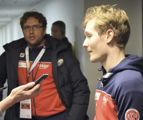 Landslagstrener Bjarne Rykkje (til venstre) og Sverre Lunde Pedersen bruker mesteparten av året på å reise. Det er i ferd med å bli et stort problem.