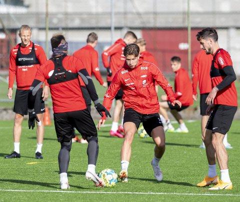 Erlend Hustad kunne kanskje ha god grunn til å være sur for manglende tillit før Rosenborg-kampen. Daouda Bamba tok muligheten godt.