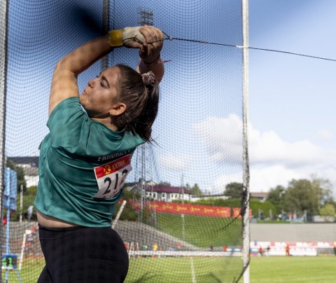 Beatrice Llano har slitt med skade etter skade de siste årene. Hennes personlige rekord fra 2019 er like bak OL-kravet, og hun har et lite håp om å kvalifisere seg til Tokyo-OL.