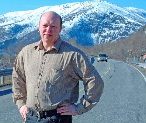 SIER NEI: Ordfører Tor Asgeir Johansen vil prioritere fergefri Tysfjord enn et arbeid med tunnel forbi det rasutsatte Skjellesvikskaret. Arkivfoto