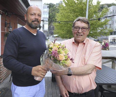 Avtroppende og påtroppende: Etter 31 år som leder av HIF overlater nå Ulf Sundling lederposisjonen i foreningen til Trond Gurrich. – Jeg var russ det året da Ulf startet sin lederkarriere i HIF, smiler Trond. Foto: Pål Nordby
