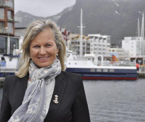 Vil utvide: Kristin Krohn Devold og NHO Reiseliv vil ha større flyplass på plass i Lofoten raskt. Hun tar til orde for at regionen trenger en utvidelse til 1600 meter på en av de eksisterende flyplassene. NHO vil imidlertid ikke mene noe om hvor det skal være.Foto: Øystein Ingebrigtsen