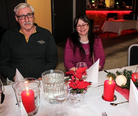 JULEGJESTER: Steinar Austheim og Synnøve Jensen var blant de mange som feiret julaften på Verket scene.