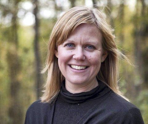 HOLMLIAPATRIOT: – Holmlia er verdt å satse på, mener lokalbeboer og sogneprest Silje Kivle Andreassen. Foto: Lill Beate Eidsheim