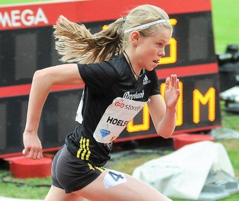 Malin Hoelsveen stiller på tre distanser i helgas U-NM i friidrtet på Jessheim.