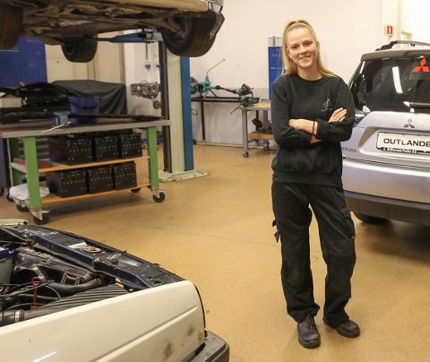LÆRLINGER I FOLLO FÅR DET TIL: Gabija Kanapeckaite var den første som fikk lærlingplass fra Ås videregående skole i år.