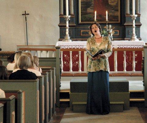 Gjestesolist: I år kommer mezzosopranen Marianne Beate Kielland til Ringsaker kikre, 25 år etter at hun som tenåring deltok i en soprangruppe på orgelgalleriet under tilsvarende konsert.