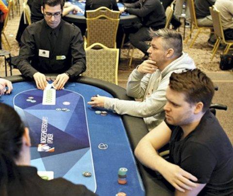 Ved pokerbordet: Ringsaker har mange gode pokerspillere de siste årene. Her  Vegard Melgalvis Andreassen under Poker-NM i Dublin for noen år siden.