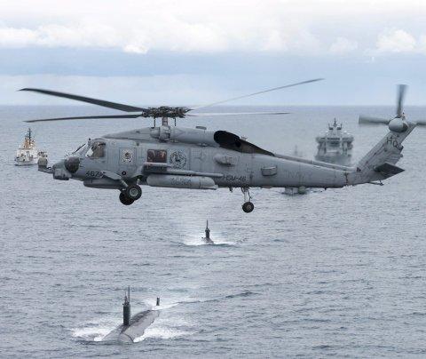 UBÅTKRIG: Bildet er fra forrige uke, NATO øver på ubåtkrigføring utenfor Island. FOTO: Christian Valverde/FORSVARET