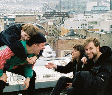RETTEN TIL BYEN: - Det er folka som bor i byen som skal ha rett på den, uavhengig av hvor mye de har å rutte med, sier Elida Høeg (30). Bandet Ohnesorg har lagd musikk om boligmarkedet i Oslo.