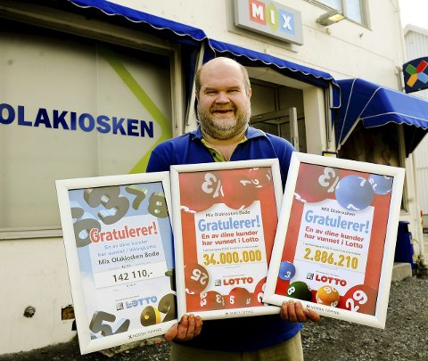 Storpremie: Foreløpig er 34 millioner høyeste vinnersum på Olakiosken. – Men i kveld kan det blir 75 millioner, sier Fredheim.