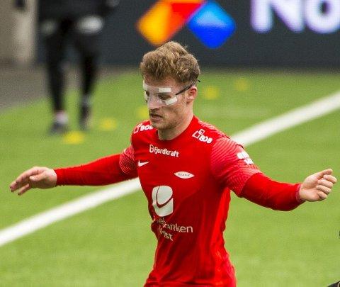 Jumbo og maskefjes: Ole Didrik Blomberg har spilt med maske og knekt nese, men bunnplassen i serien svir mest.
