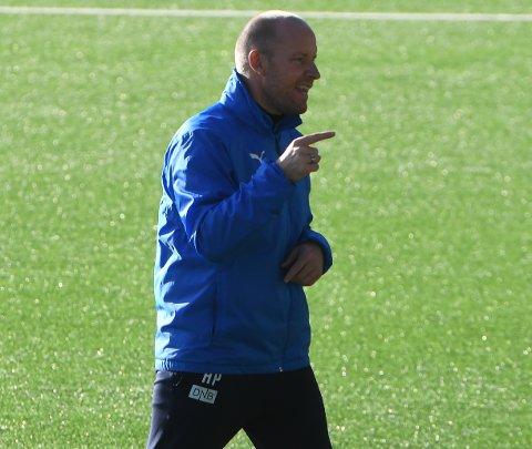 - DET LØSNER: SIF-trener Henrik Pedersen har troen på at det løsner foran mål mot Haugesund.